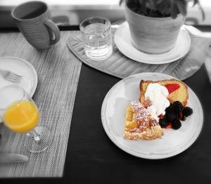B & W continental breakfast